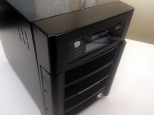 RAID5 バッファロー 電源は入るが、パソコンからRAIDにアクセスできない。TS-H1.0TGK/R5